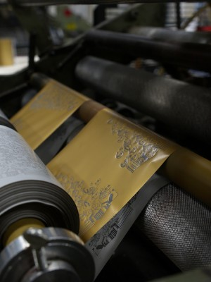 Crane-Stationery-Factory-Foil-Stamp-Printing-Process