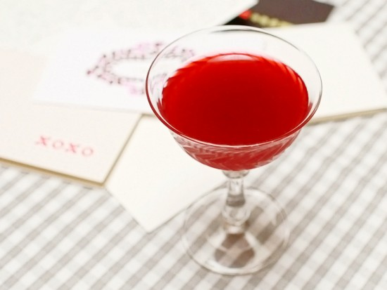 Cocktail Recipe: The Love Letter via Oh So Beautiful Paper (10)