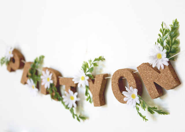 DIY Spring Daisy Party Garland by A Fabulous Fete via Oh So Beautiful Paper