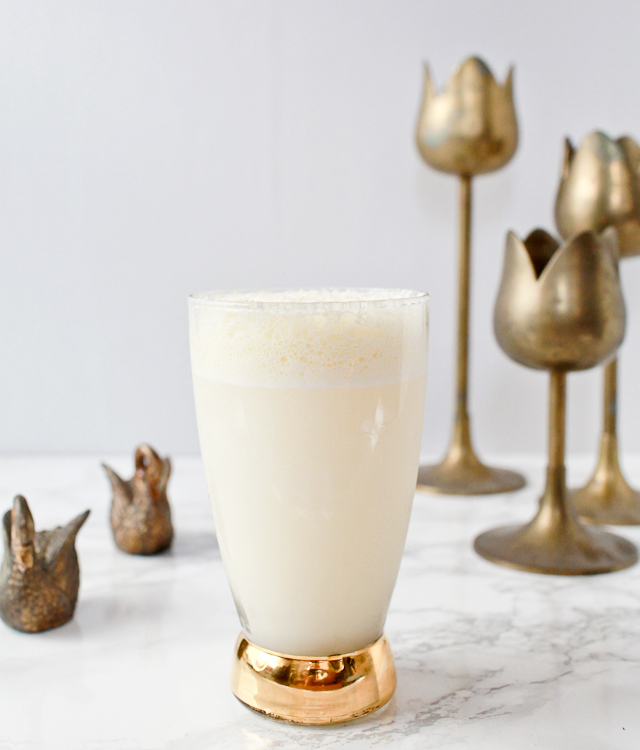 Ramos-Gin-Fizz-Brunch-Cocktail-Recipe-Liquorary-OSBP-1
