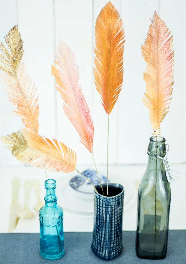 DIY Thanksgiving Crepe Paper Feather Centerpiece / Appetite Paper for Oh So Beautiful Paper