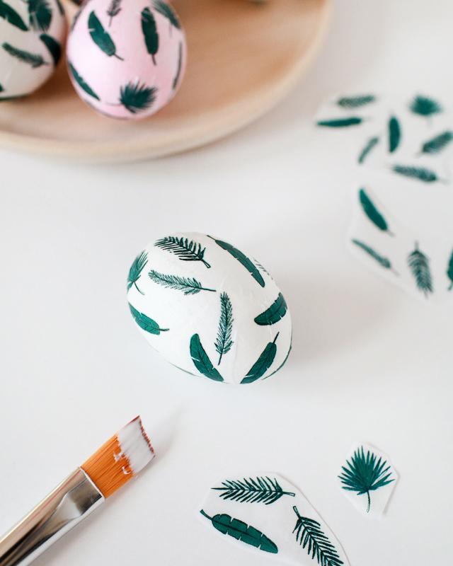 DIY Tropical Leaf Easter Eggs / Oh So Beautiful Paper