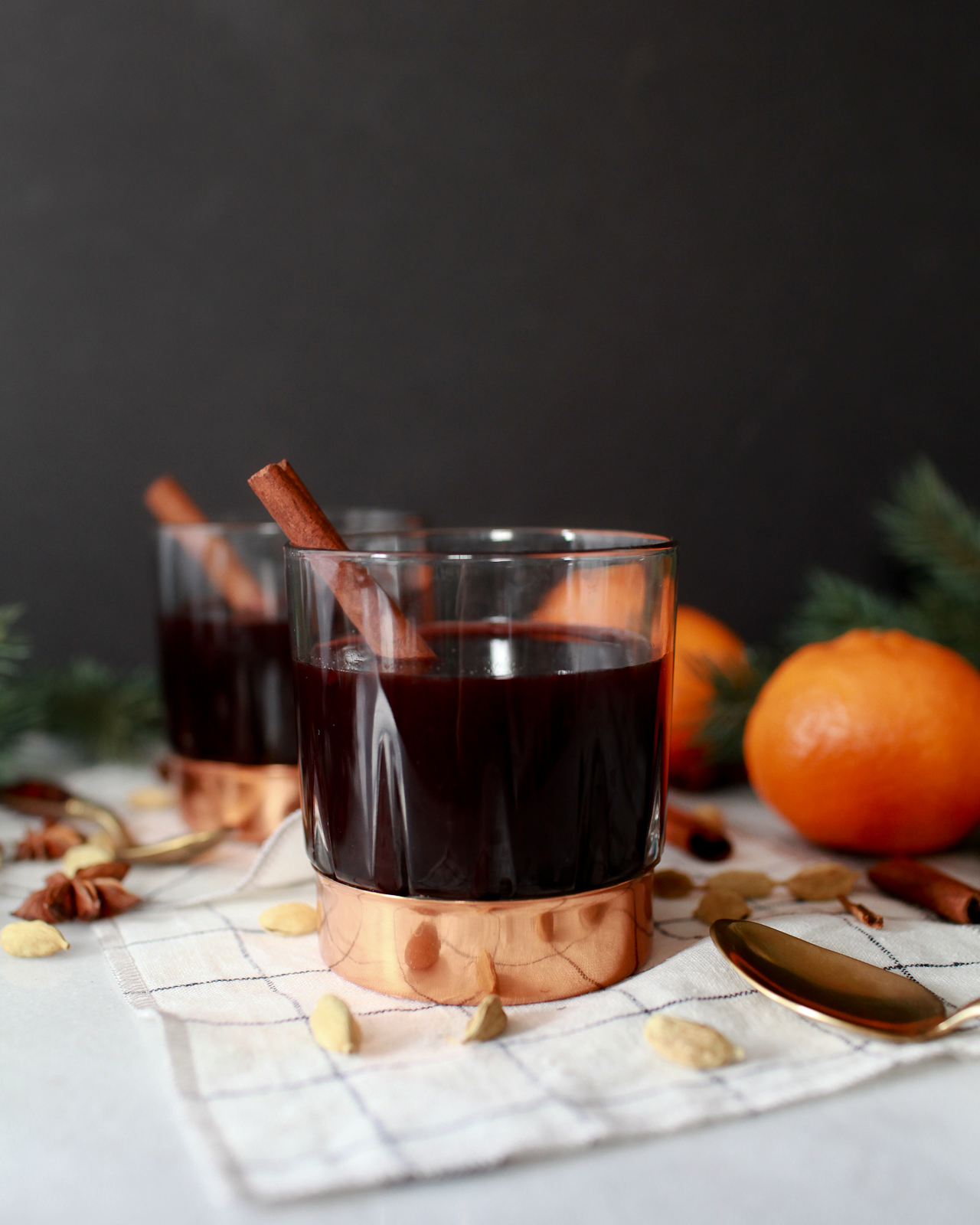 Swedish Mulled Wine Glogg Recipe / Hygge Cocktail Ideas